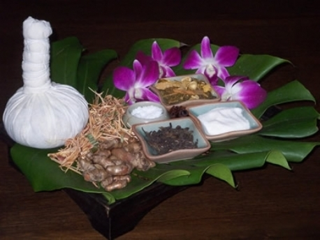 Kruidenstempel massage in de buurt of omgeving van Ewijk