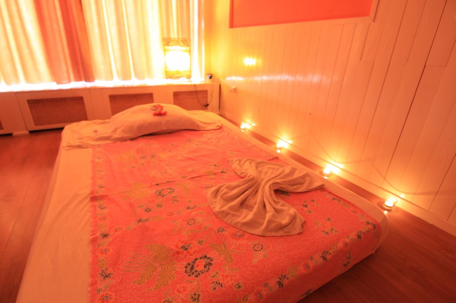 Massage in kamer 39 ayutthaya 39 nijmegen 1 persoons manadrin spa - Spa kamer ...