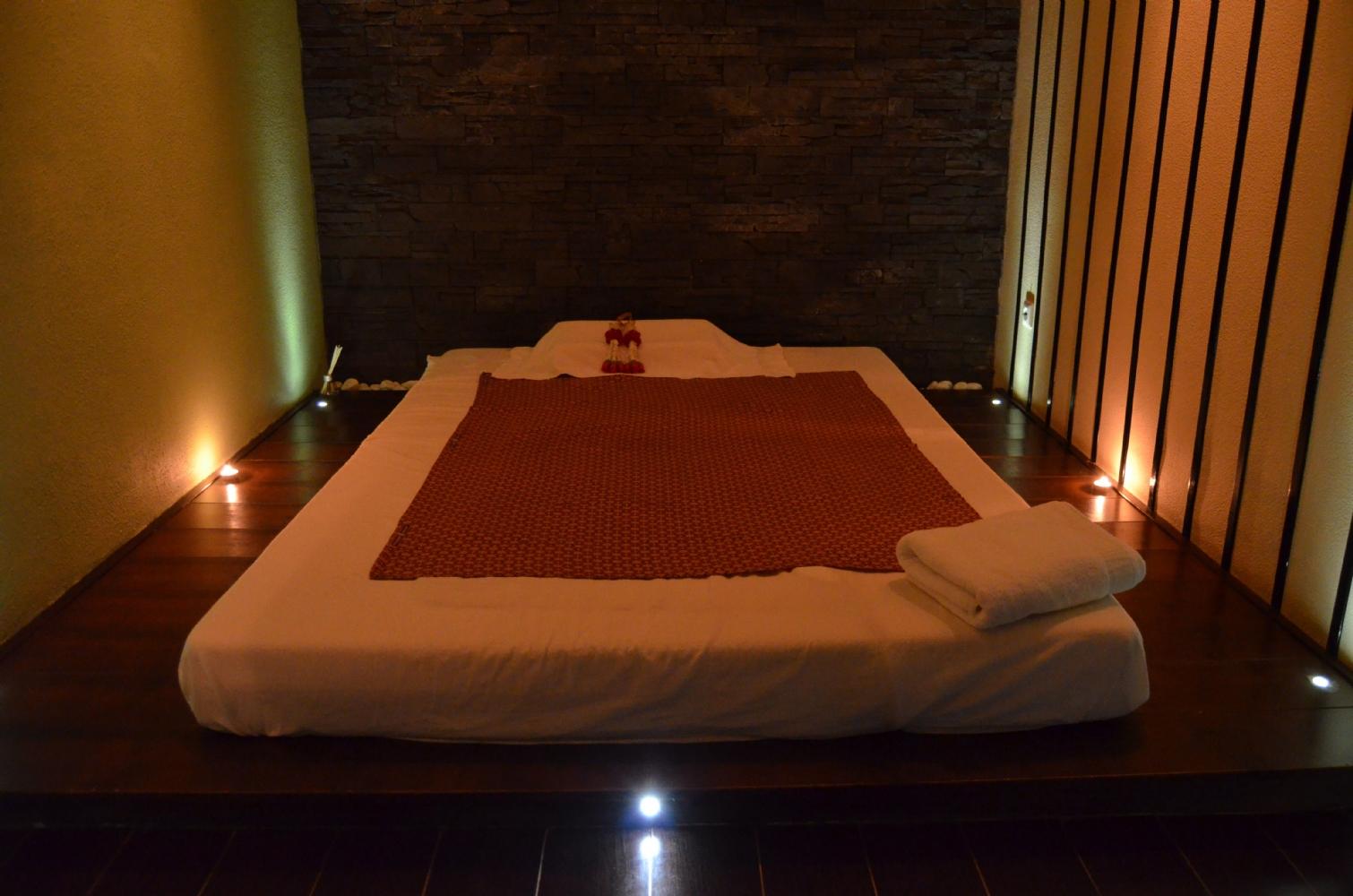 Massage in kamer 39 korea 39 nijmegen 1 persoons manadrin spa - Spa kamer ...