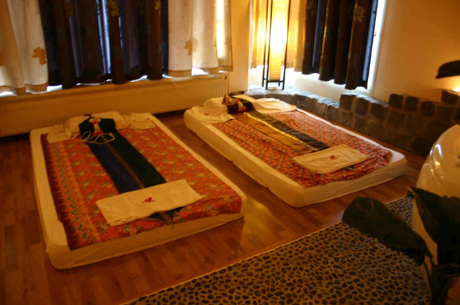 Duo massage in kamer 39 phuket 39 nijmegen 2 persoons manadrin spa - Spa kamer ...