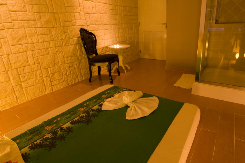 Massage in kamer 39 nepal 39 uden 1 persoons manadrin spa - Spa kamer ...